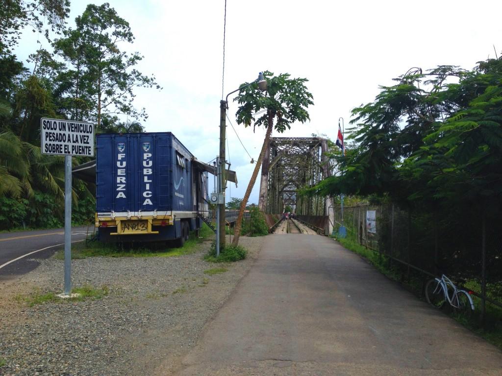 pont panama frontière sixaola