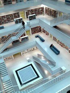 bibliothèque stuttgart moderne blanche