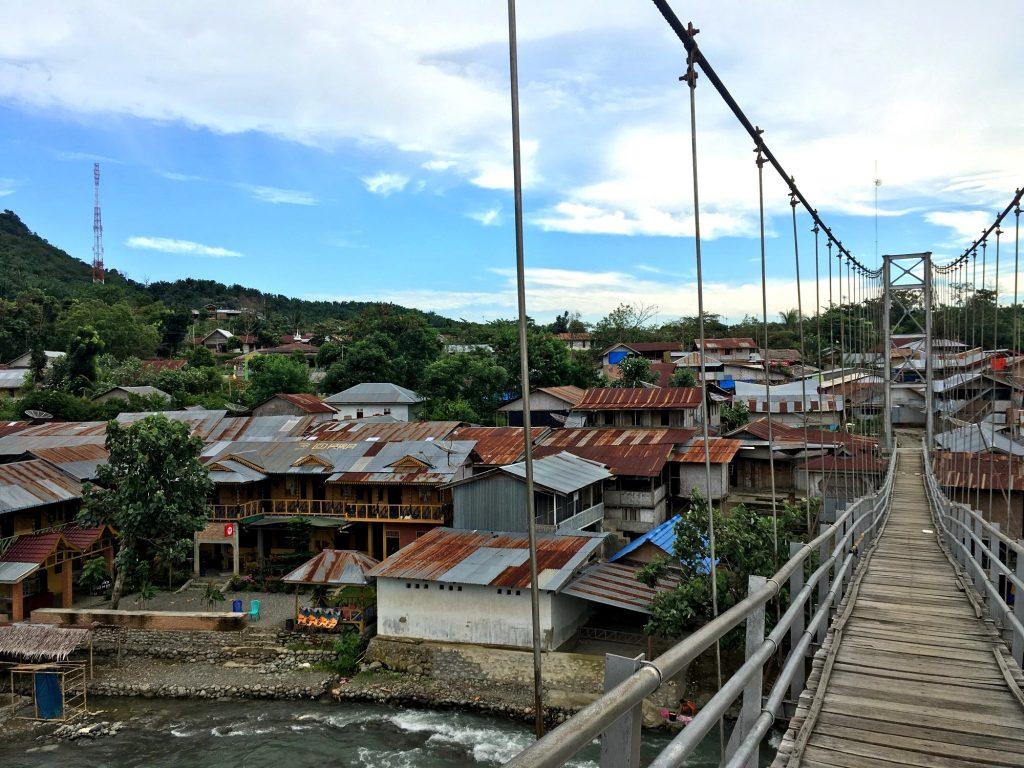 bukit-lawang-pont-sumatra