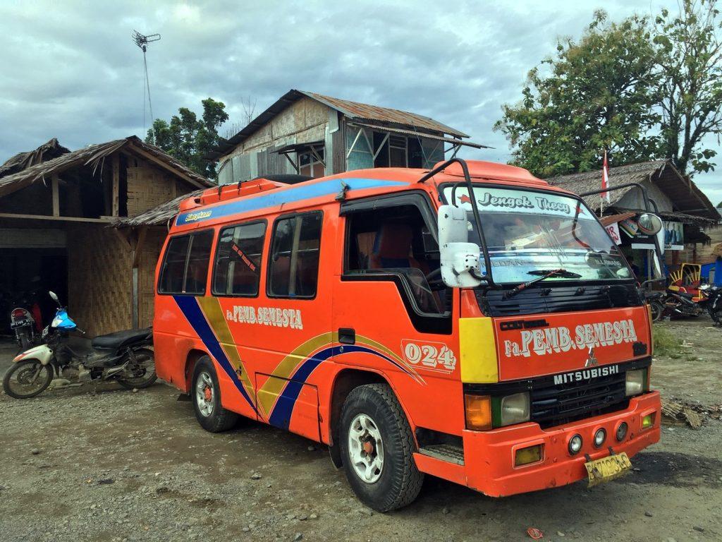 bus-bukit-lawang-sumatra