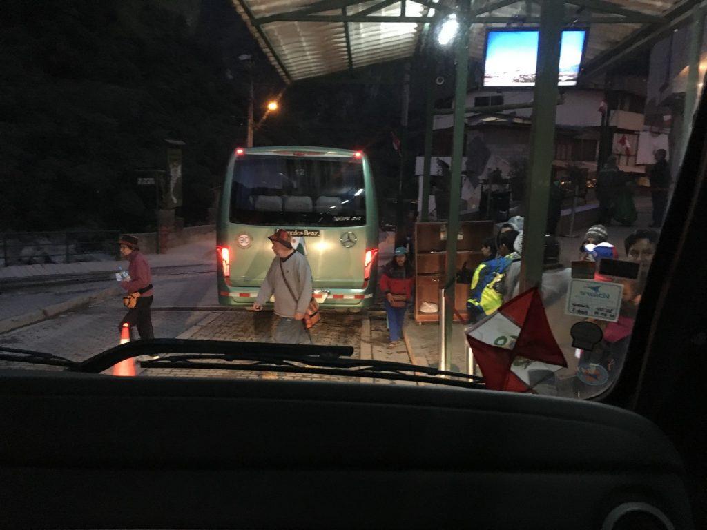 bus-machu-picchu-aguas-calientes