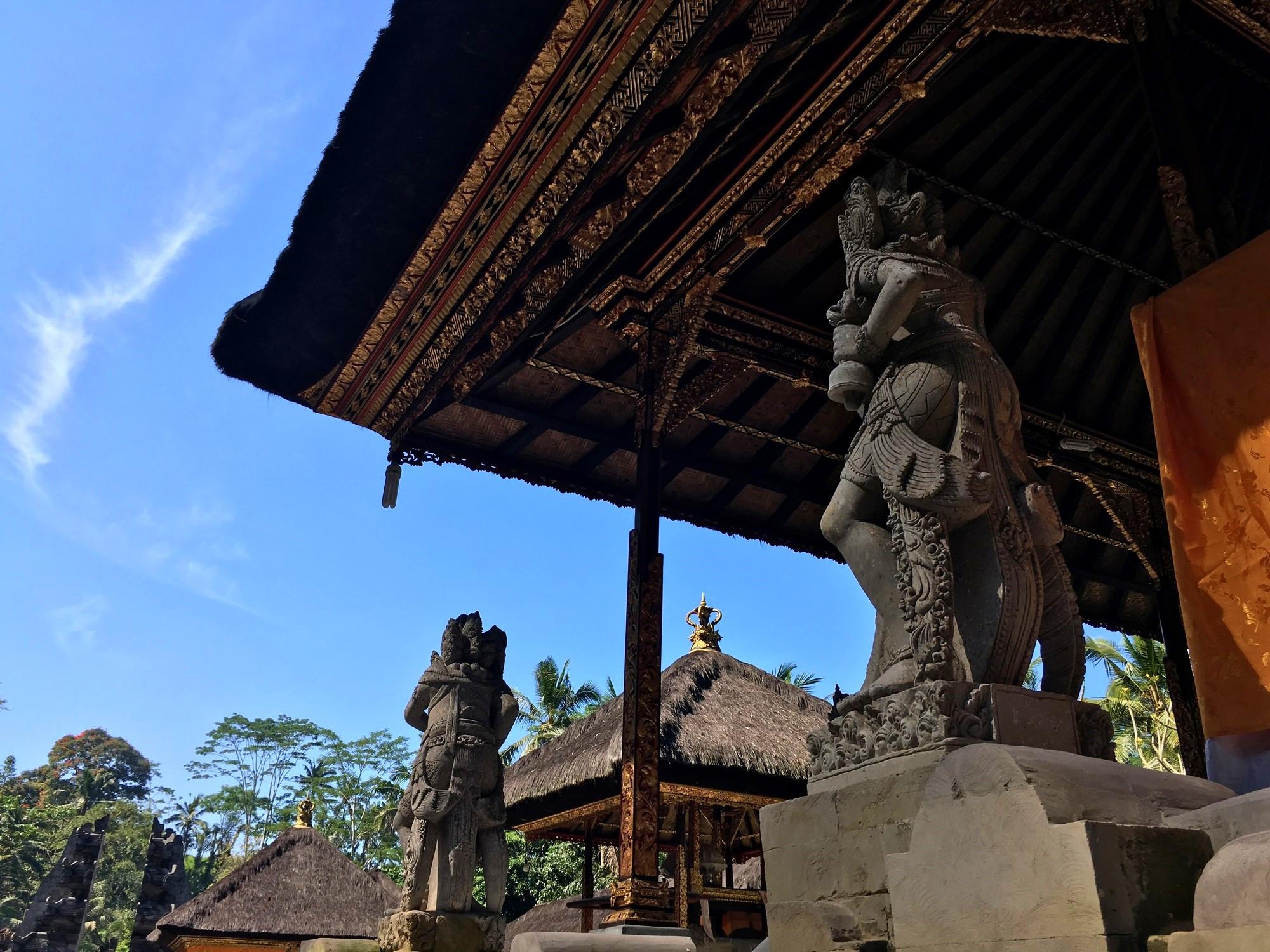 pura-gunung-kawi-bali-temple-statues
