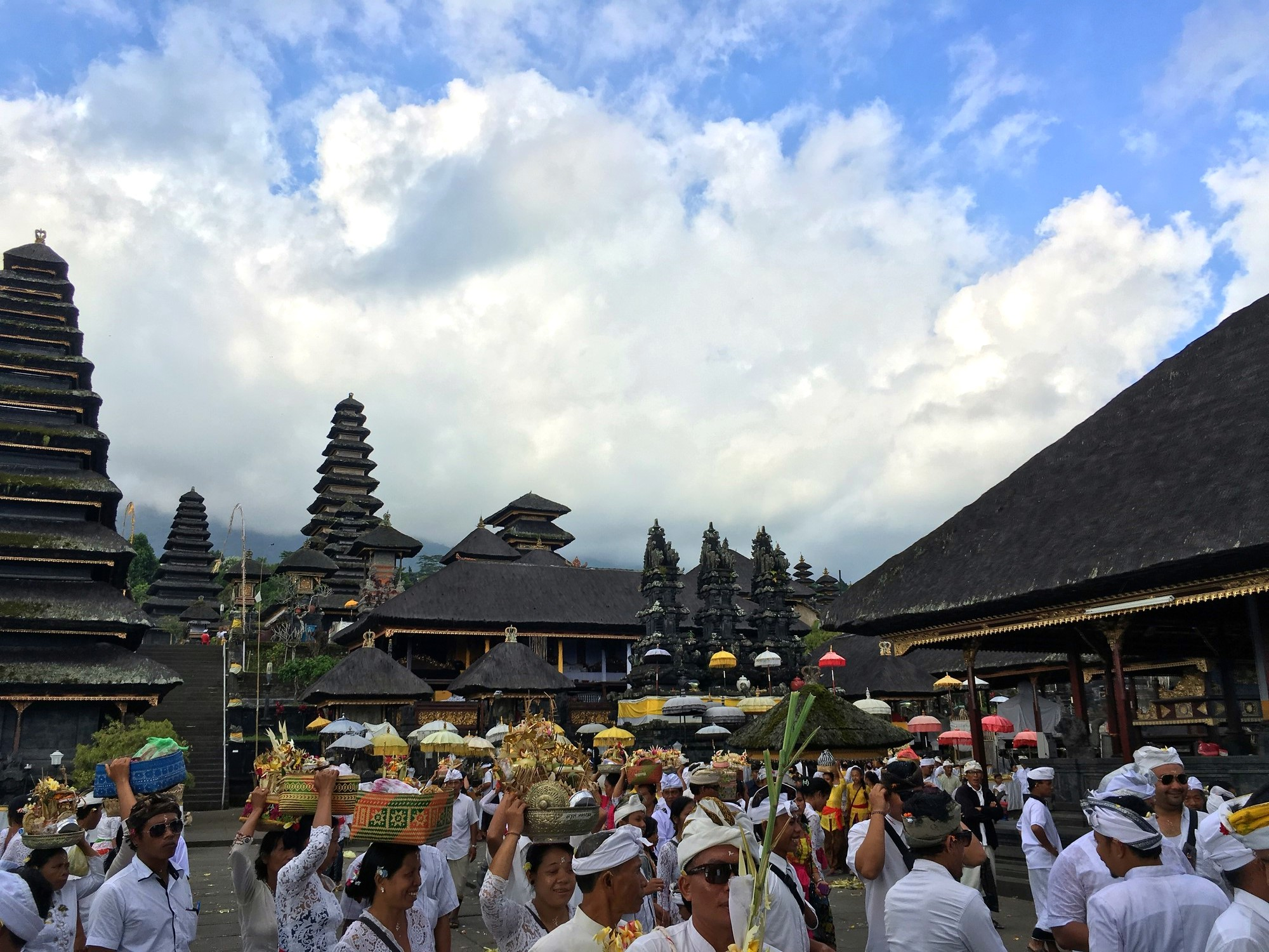 procession-temple-besakih-bali