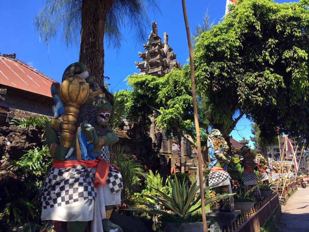 statue-temple-bali