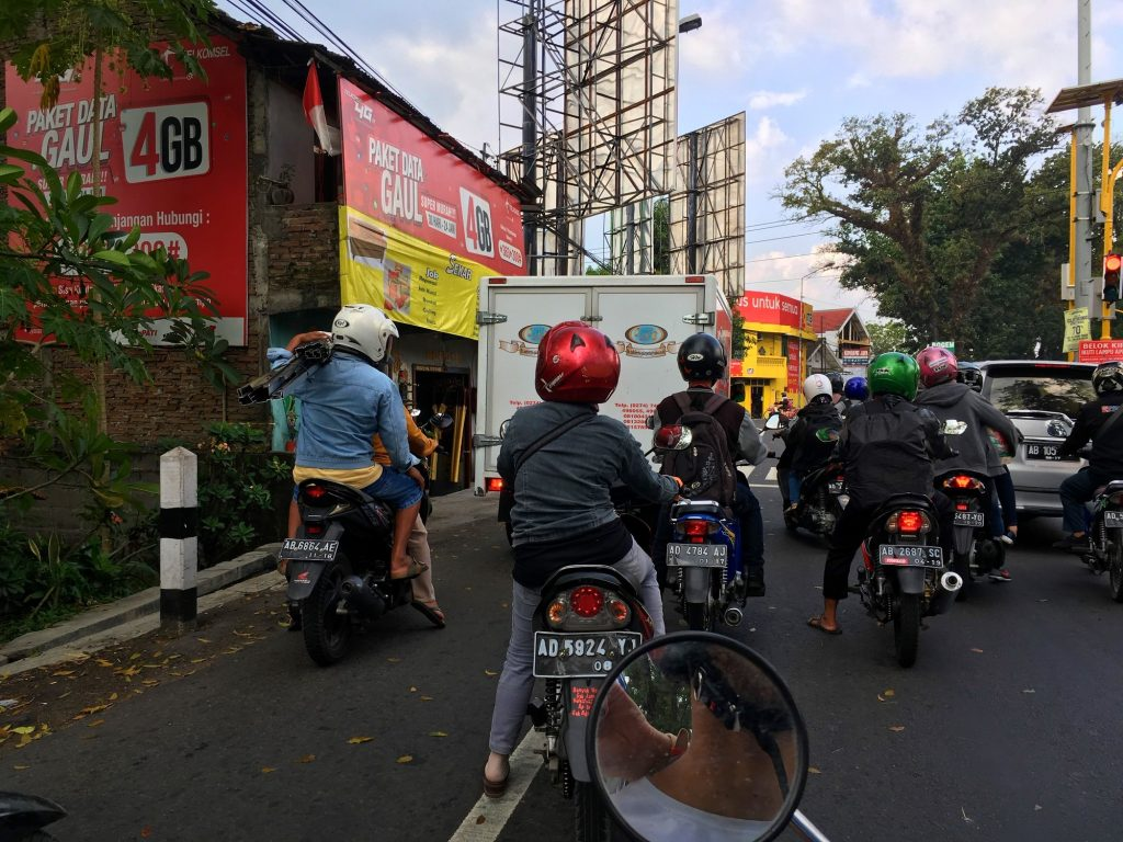 trafic-scooter-indonesie